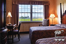 AmishView Inn & Suites room with 2 beds