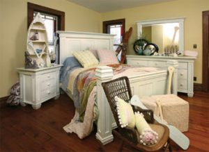 Weaver Furniture Bedroom set